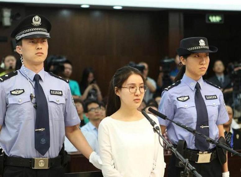 Cuộc sống của hot girl nóng bỏng sau 5 năm ngồi tù vì cá độ, bán dâm giờ ra sao?-6