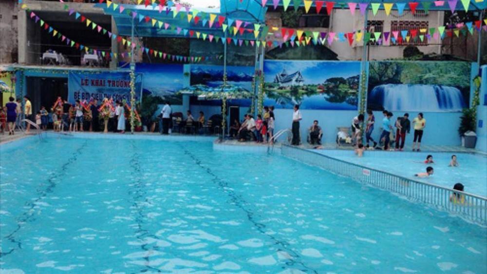 Bắc Giang: Bé gái 8 tuổi chết đuối thương tâm tại bể bơi-1