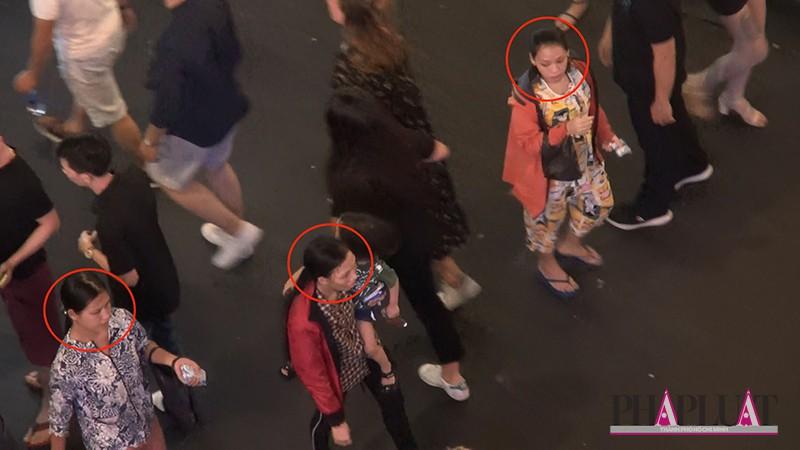 Điểm mặt các băng nhóm móc túi ở khu phố Tây-2