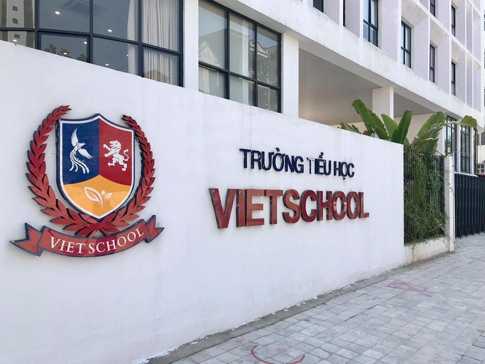 Vụ việc phụ huynh Trường tiểu học Vietschool phản đối chính sách học phí: Nhà trường chính thức phản hồi-1