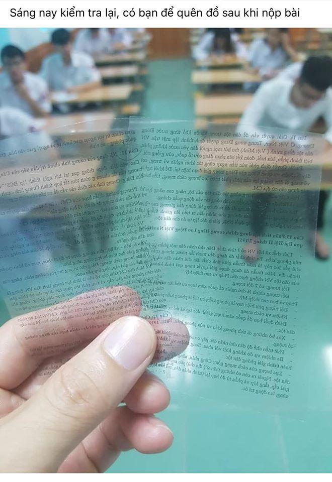 Học sinh để quên đồ sau giờ kiểm tra, thầy giáo cầm lên mà ngỡ ngàng: Quay cóp tinh vi như này chắc IQ phải cao ngất ngưởng-1
