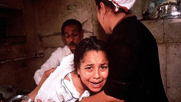 Ai Cập: 3 bé gái bị cha đẻ lừa đưa đi tiêm vắc xin phòng Covid-19 để cắt âm vật-1
