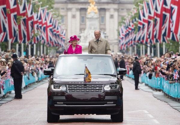 Chồng Nữ hoàng Anh mừng sinh nhật lần thứ 99 bằng bức ảnh ý nghĩa, chặng đường 72 năm bên nhau của cặp đôi khiến ai cũng ngưỡng mộ-10