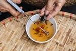 Loại côn trùng giống gián bán 3,5 triệu/kg, nhà giàu mua về hưởng thơm-4