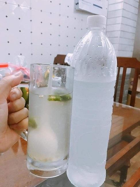 Nước dừa có giá 20.000 đồng/lít, ngày bán 500 chai: Nguồn gốc ở đâu?-2