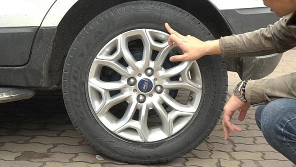 Những bộ phận trên ô tô dễ bị hỏng khi gặp mưa lớn-2