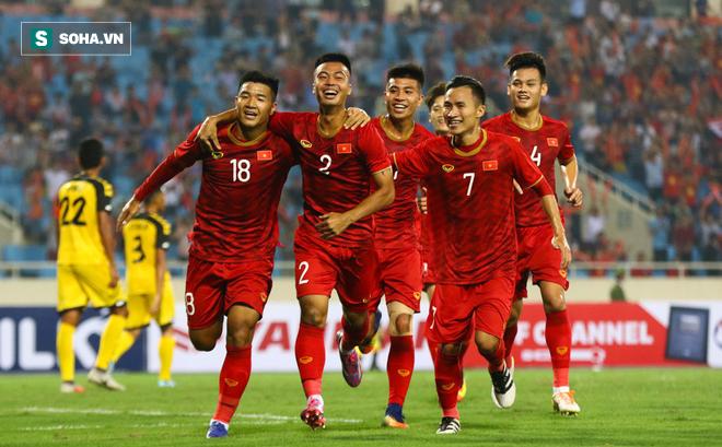 HLV Lê Thụy Hải: HLV Park rất nhạy bén, các thay đổi sẽ giúp Việt Nam lợi lớn ở AFF Cup-1