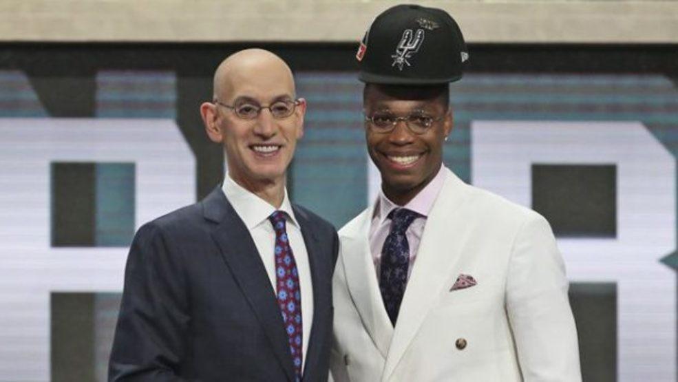 Câu chuyện đẫm nước mắt ẩn sau mái tóc kỳ dị của ngôi sao NBA-1