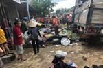 Vụ 2 xe tải và ô tô con va chạm rồi lao vào chợ: Ít nhất 5 người thiệt mạng-6
