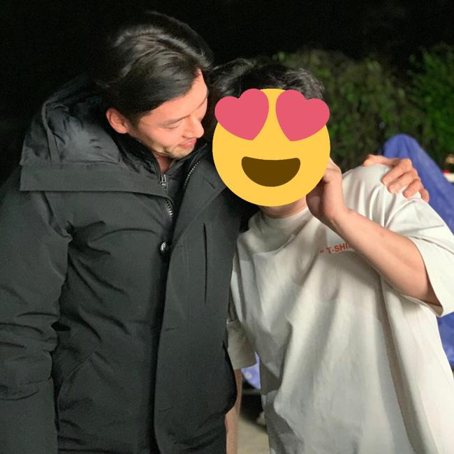 Lộ tạo hình của Hyun Bin trong phim mới: Râu quai nón bụi bặm nhưng vẫn rất đẹp trai-2