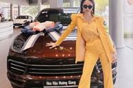 Vừa phát ngôn sốc 'chẳng có gì ngoài tiền', Hương Giang liền một lúc khoe cả xe hơi mới lẫn nhẫn kim cương 'khủng'