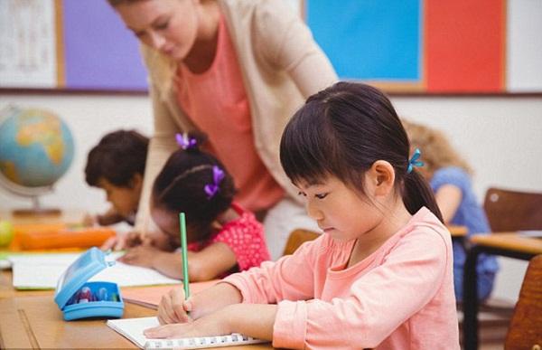 Bài toán lớp 1 đơn giản đến không ngờ nhưng khiến cha mẹ phải vò đầu bứt tai, hàng nghìn dân mạng tranh cãi gay gắt-2