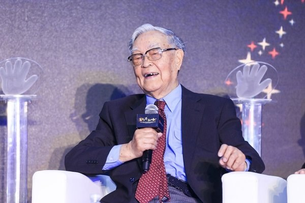 """60 năm nghiên cứu ung thư, chuyên gia 91 tuổi tiết lộ 4 yếu tố gây ung thư cực nhanh, xuất hiện cận kề"""" nhưng không phải ai cũng biết phòng ngừa-2"""