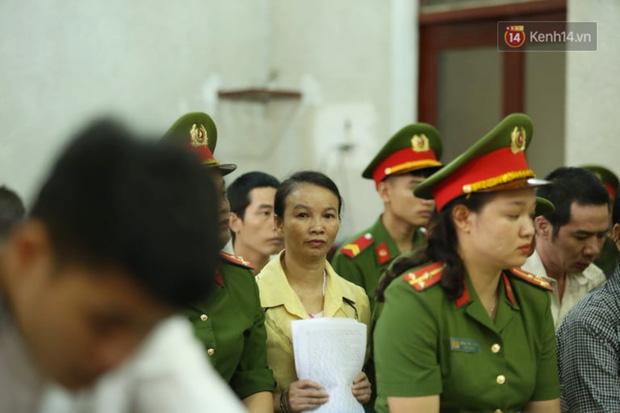 Hoãn phiên xử phúc thẩm mẹ nữ sinh giao gà và đồng phạm về tội buôn bán trái phép chất ma túy-5