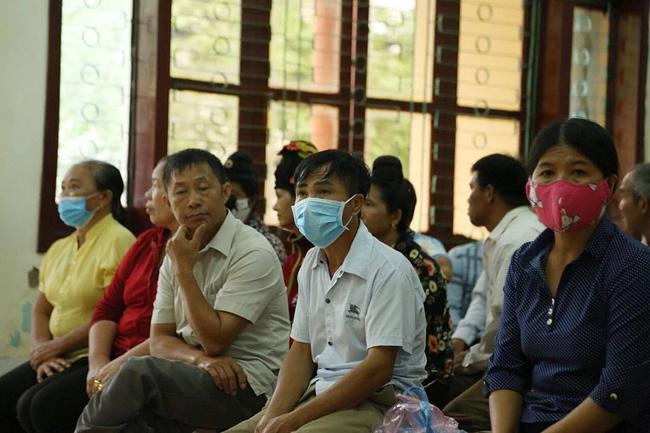 Bố nữ sinh giao gà ở Điện Biên: Luôn tin vợ vô tội, nói đã quá mệt mỏi vì kinh tế kiệt quệ, đến miếng ăn cũng phải nhờ họ hàng giúp đỡ-2