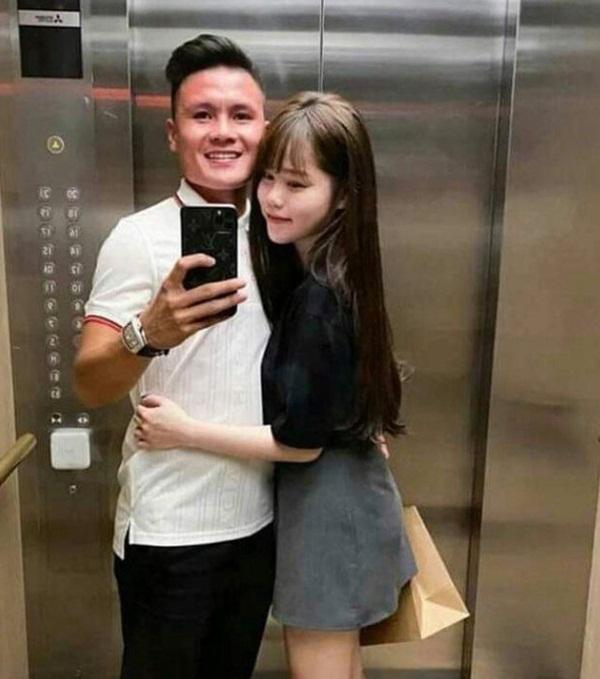 Quang Hải khoe ảnh đưa Huỳnh Anh về nhà chơi, khen người yêu khéo dỗ em bé-2