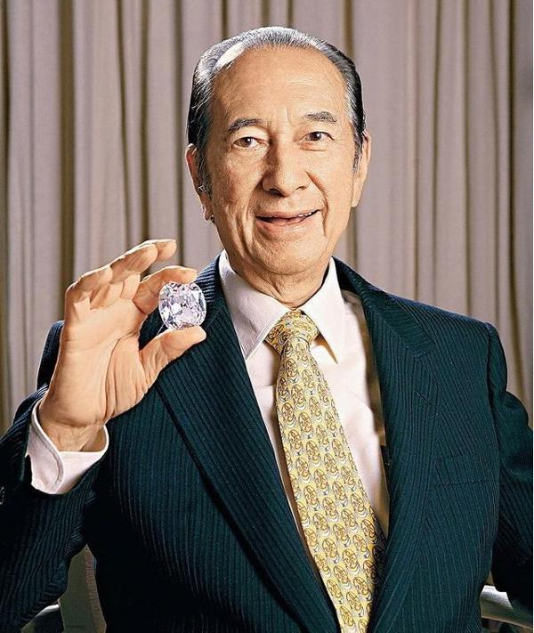 Vì sao Vua sòng bài Macau công khai chung sống cùng 4 vợ trong hơn 50 năm khi luật pháp hiện đại chỉ chấp nhận một vợ một chồng?-1