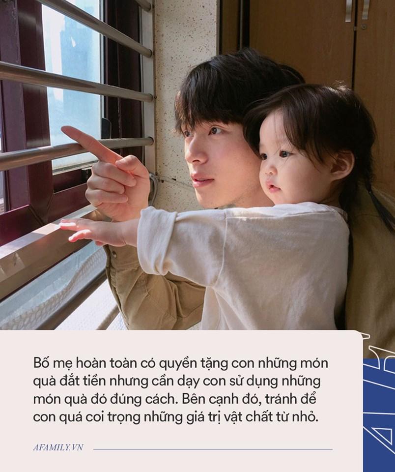 Khoe quà sinh nhật tặng con gái, Lâm Tâm Như bị so sánh không khéo nuôi dạy con bằng bạn thân Triệu Vy-3