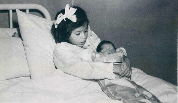 Bụng cô bé 5 tuổi ngày một phình to, bố mẹ tưởng khối u nhưng sự thật khiến cả thế giới sửng sốt, cảnh sát phải lập tức vào cuộc-3