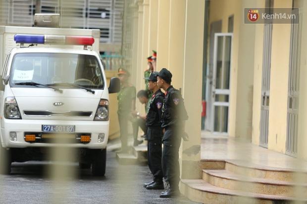Xử phúc thẩm vụ nữ sinh giao gà: Bùi Thị Kim Thu nói khó thở-12