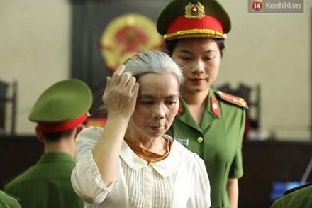 Bùi Thị Kim Thu bất ngờ đánh lén một bị cáo tại phiên tòa xử phúc thẩm vụ nữ sinh giao gà