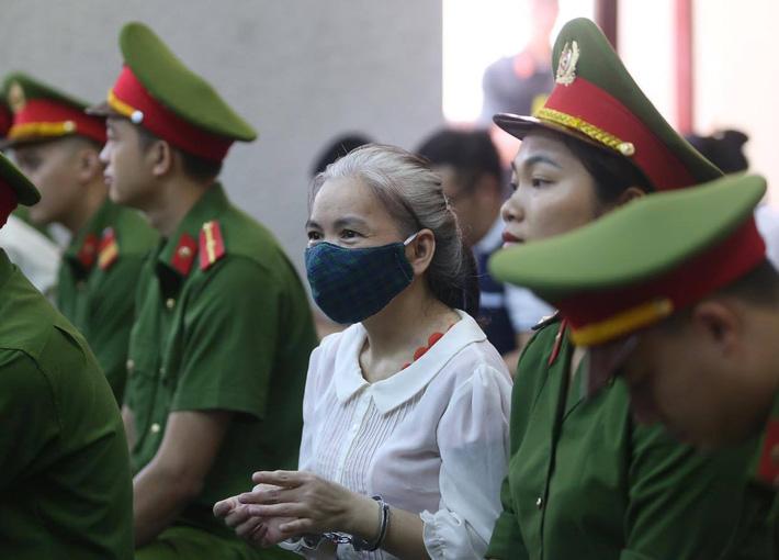 Tuyên án vụ nữ sinh giao gà bị hiếp dâm, sát hại ở Điện Biên: 9 bị cáo nhận 6 án tử hình và 22 năm tù giam-11