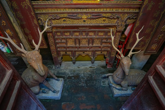 """Nhà cổ gỗ lim chứa toàn báu vật"""" độc nhất của dòng họ nức tiếng Hà Thành-11"""