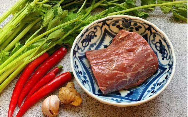 Xào thịt bò, thêm 2 nguyên liệu này thịt mềm, ngon khiến ai cũng muốn ăn nhiều-1