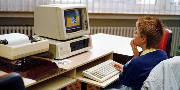 Bill Gates thức đến 4h sáng để viết game máy tính đầu tiên thế giới, bị Apple cà khịa là 'trò chơi đáng xấu hổ nhất'-2