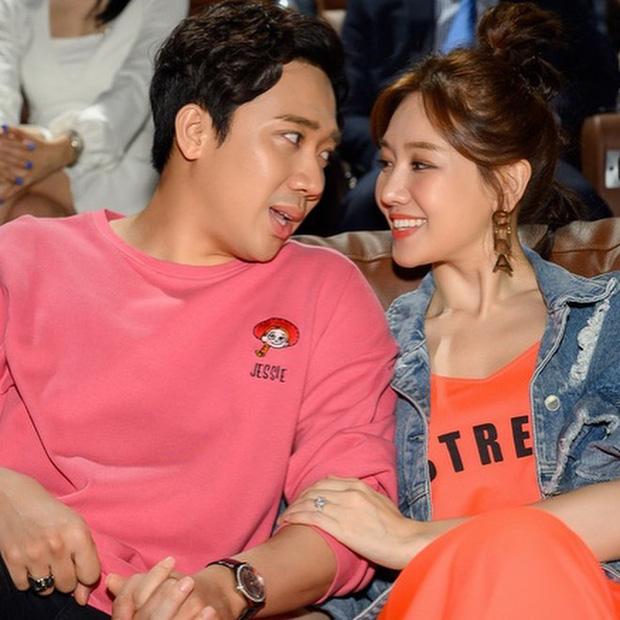 """Hari Won tiết lộ Trấn Thành không cấm cản vợ có anh trai mưa"""", nhưng lại kèm quy định nghe xong mà muốn ngã ngửa-5"""