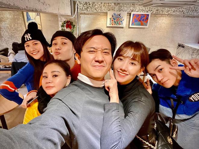 """Hari Won tiết lộ Trấn Thành không cấm cản vợ có anh trai mưa"""", nhưng lại kèm quy định nghe xong mà muốn ngã ngửa-3"""