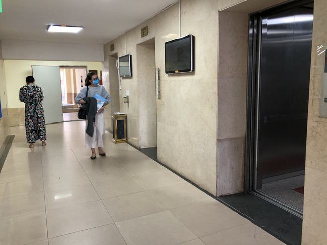 Người đàn ông trình độ thạc sĩ nghi dâm ô bé trai trong thang máy-3