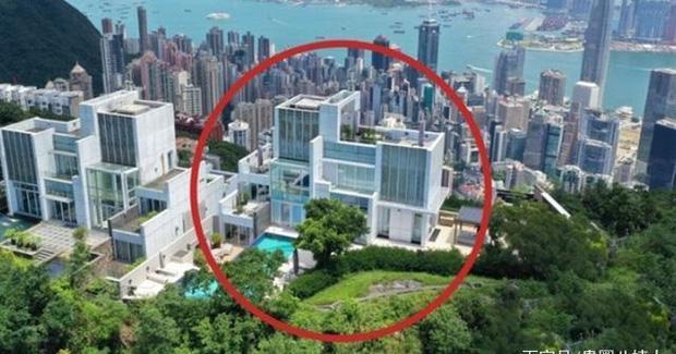 Rầm rộ tin Châu Tinh Trì thua bạc, vội thế chấp siêu biệt thự 3,5 ngàn tỷ đồng, bị tình cũ đòi thêm 245 tỷ nợ nần-6