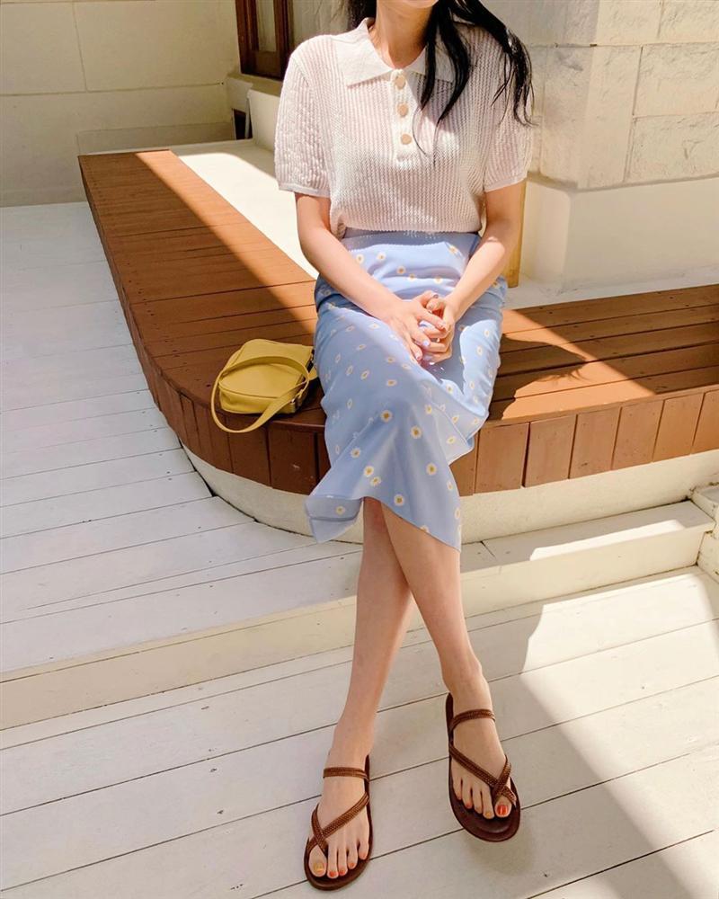 4 mẫu chân váy đang hot rần rần và gần như ai diện cũng đẹp, sắm thiếu thì style hè của bạn cũng chán hẳn-5