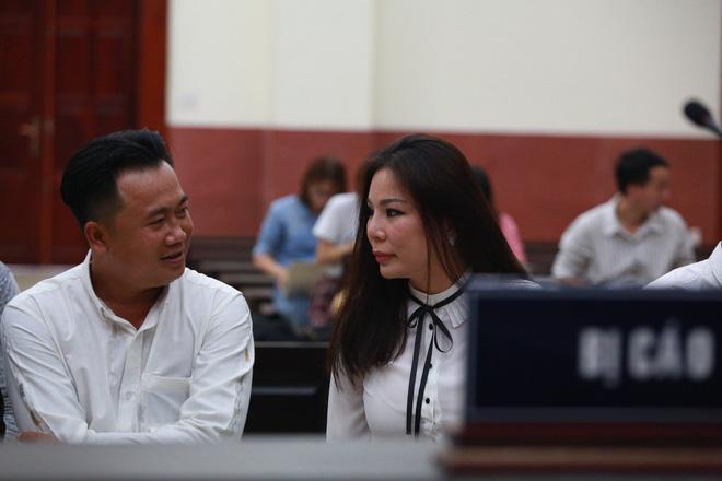 Bác sĩ Chiêm Quốc Thái lớn tiếng, đùng đùng rời phòng xử: Chắc chắn thua rồi, xử gì nữa-6
