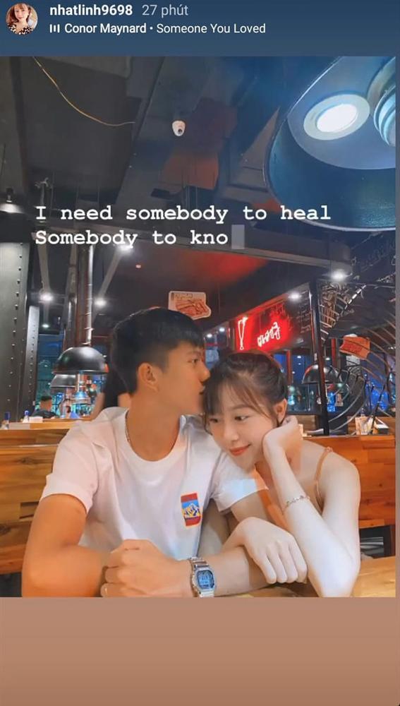 Sau trận thắng Hà Nội FC, Phan Văn Đức liền đưa vợ đi hẹn hò và ăn uống cực tình cảm-2