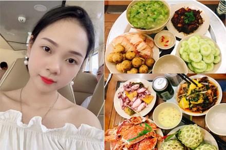 Mê mẩn những mâm cơm đầy ắp món tươi của mẹ đảm ở Quảng Ninh, nhưng bất ngờ hơn cả là chi phí