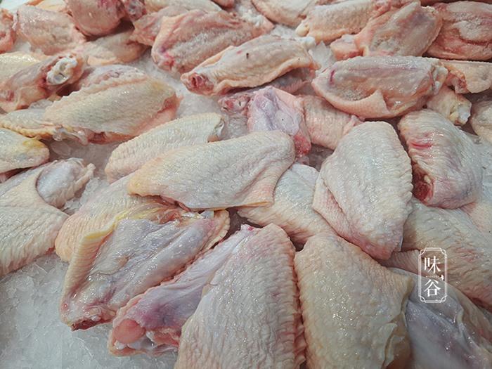 Mua cánh gà đông lạnh, nhìn vào phần này thấy dày hay mỏng là biết nó tươi hay không-2