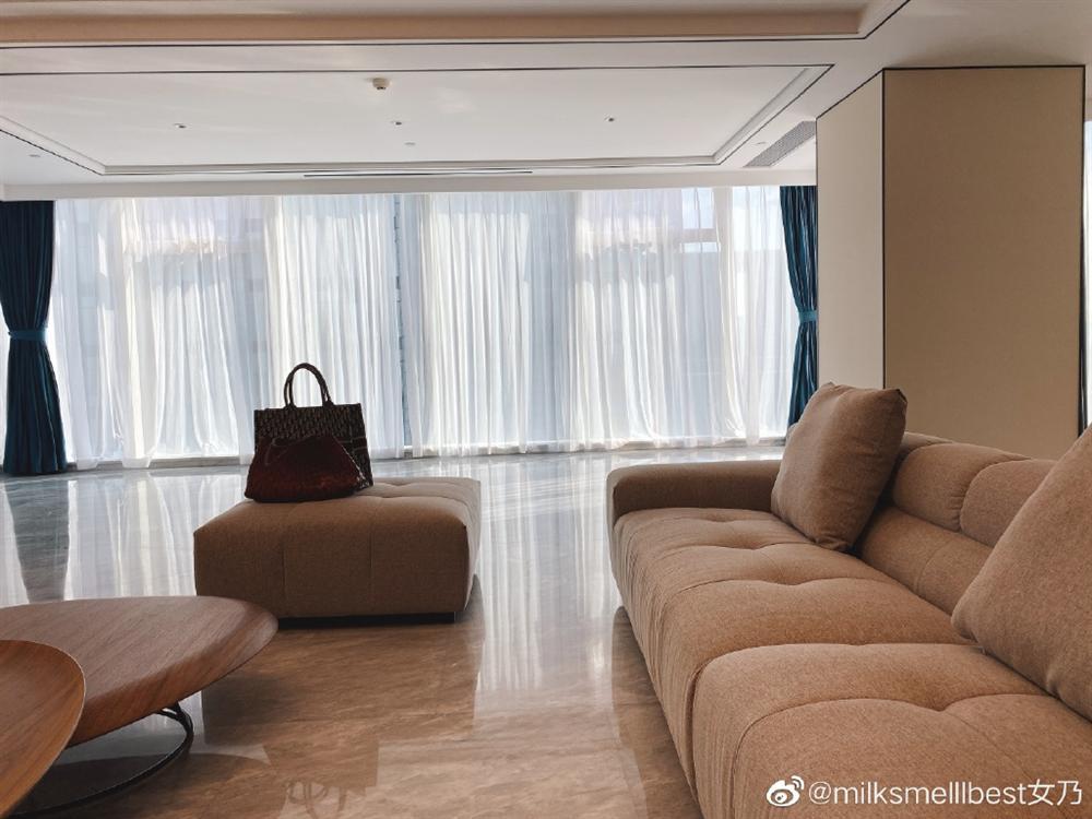 Nhân tình chủ tịch Taobao phủ nhận khóc trên livestream vì bê bối ngoại tình, vợ hợp pháp đăng vlog đáp trả với hàm ý: Hãy tu thân dưỡng tính!-1