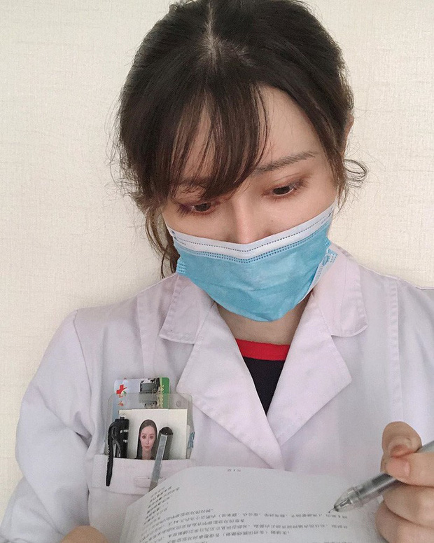 Choáng toàn tập trước thân hình của nữ bác sĩ mặt thiên thần, body cuồn cuộn dù đã mang thai được hơn 6 tháng: Sốc nhất vẫn nằm ở vòng 2-7