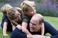 Tan chảy với loạt khoảnh khắc đặc biệt của Hoàng tử William bên cạnh 3 con nhỏ nhân Ngày của Cha và đón mừng tuổi mới