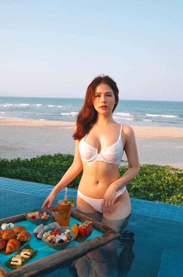 Gu ăn mặc của Phanh Lee ngày càng gợi cảm-3