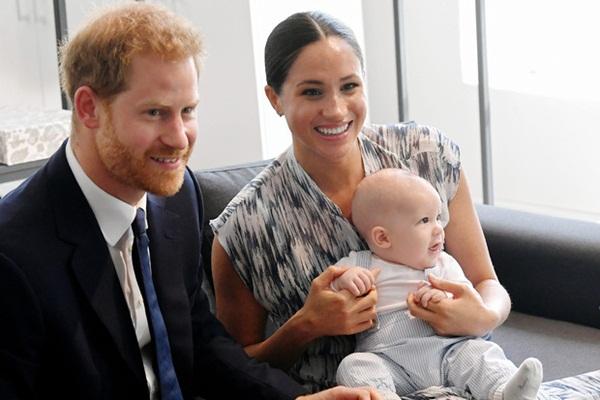 Toan tính khác của Meghan khi đến Mỹ: Nếu Harry đòi ly dị, bé Archie sẽ khó quay lại Anh vì lý do này-2