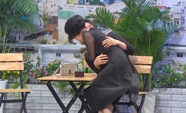 Lâm Vỹ Dạ hôn Song Luân ở Ơn giời-3