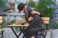 Lâm Vỹ Dạ hôn Song Luân ở Ơn giời