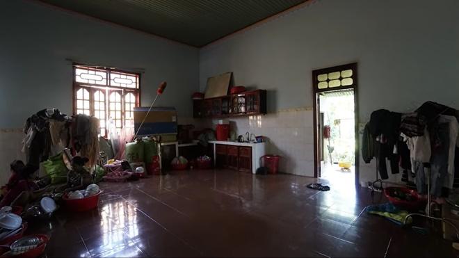 Thương mẹ phải bán dây chuyền xây nhà cấp 4, H'Hen Niê bỏ 2,5 tỷ sửa thành nhà cực đẹp-1