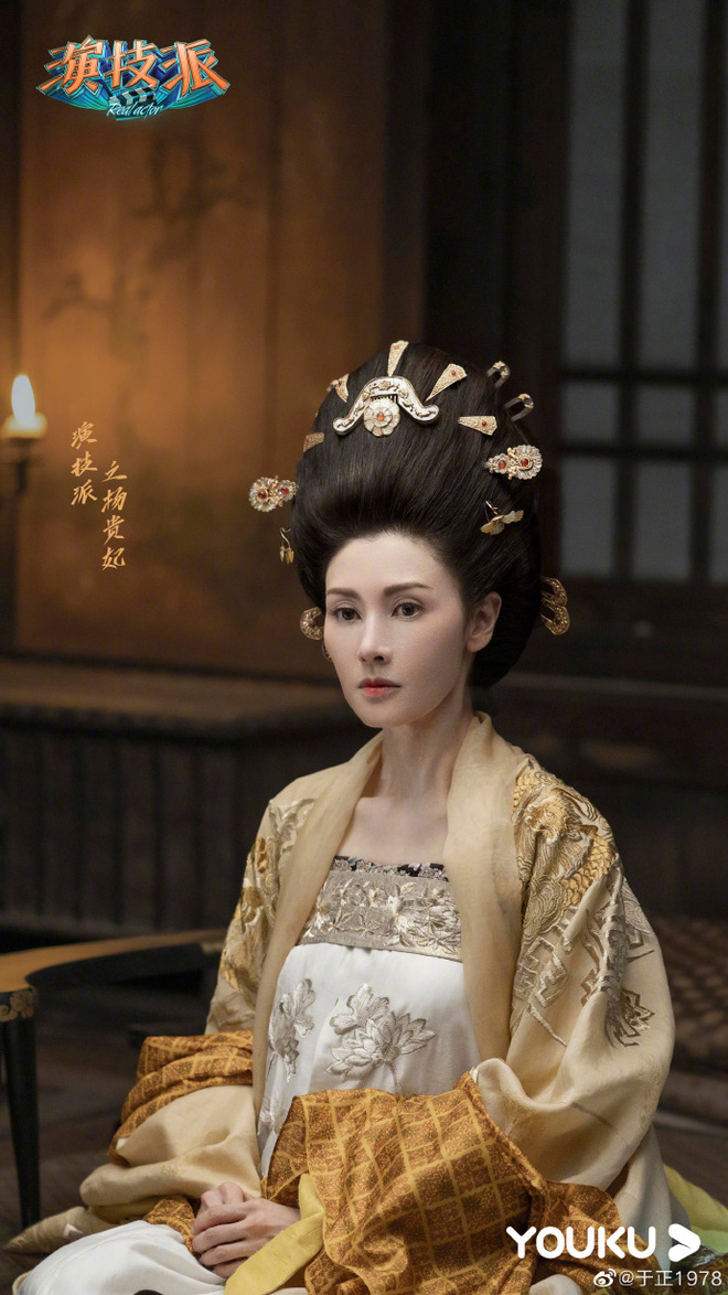 Hoa hậu đẹp nhất Hong Kong được 3 đại gia theo đuổi cùng lúc giờ ra sao?-21
