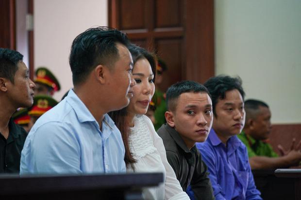 Vợ cũ BS Chiêm Quốc Thái chấp hành xong án tù trong vụ bỏ 1 tỷ thuê giang hồ đánh dằn mặt-3