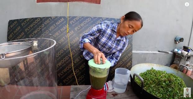 Bà Tân trổ tài làm cốc rau má đậu xanh siêu to khổng lồ, nhưng thứ dân mạng chỉ chăm chăm chú ý tới câu lỡ lời của Hưng Vlog-2