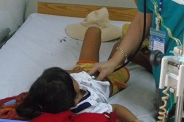 Bé gái 6 tuổi tử vong sau khi ăn sắn-1